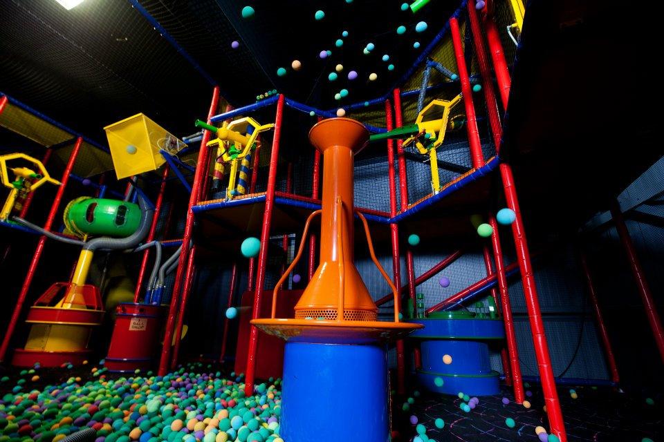ball-play-arena-the-castle-fun-center